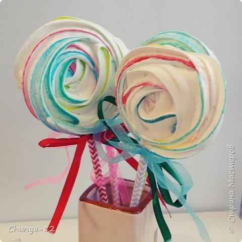 Вот такой яркий с пряничками получился у меня тортик на годовасие одной очень миленькой девчушке ))) фото 16