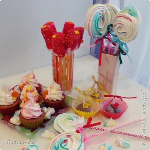 Вот такой яркий с пряничками получился у меня тортик на годовасие одной очень миленькой девчушке ))) фото 13