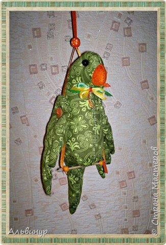 Уже длительное время увлекаюсь игрушками в стиле Тильда. Взяла выкройку вот тут http://tildas.ru/uploads/posts/2011-10/thumbs/1317633151_3.jpg  и решила рискнуть создать птичку. фото 2