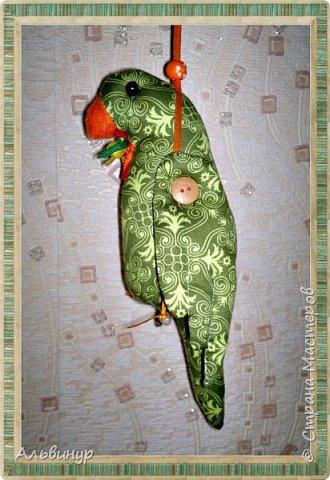 Уже длительное время увлекаюсь игрушками в стиле Тильда. Взяла выкройку вот тут http://tildas.ru/uploads/posts/2011-10/thumbs/1317633151_3.jpg  и решила рискнуть создать птичку. фото 3