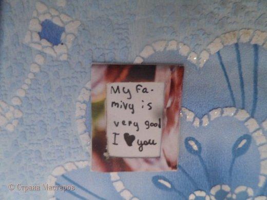 Привет,я опять вернулась в Страну Мастеров.Надеюсь,что надолго.Сегодня я решила показать вам мой румбокс,иначе говоря комната из коробки.Я сразу извиняюсь за не очень аккуратную работу ( мне так кажется ).За основу взята обычная коробка.На фото общий вид комнатки.Пол обклеен самоклеющейся бумагой,которая окрашена под дерево.  фото 5