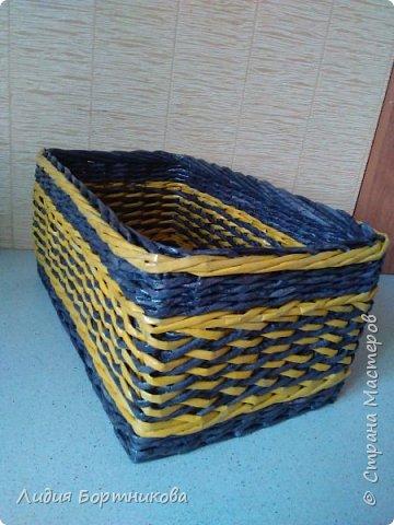 Здравствуйте жители страны мастеров.Хочу показать вам свои первые работы.Это коробка для дочкиных игрушек.Дно картон ,обклеен обоями. фото 11