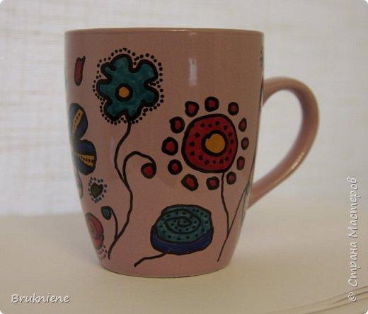Моя самая первая подарочная чашка. Запекаемый контур Pebeo и маркер той же фирмы. В актином использовании уже три месяца и очень нравится своей хозяйке. фото 3