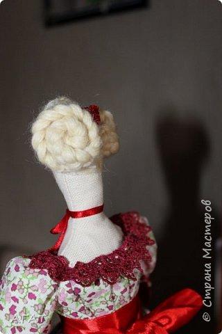 Всем - добрый день! Сшилась у меня ещё одна тильдочка, назвала её Марьяной.  Платье из бязи, корзиночка  в руках-  бумажная. Шить таких куколок - одно удовольствие. фото 7