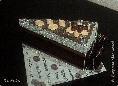 """продолжение шоколадной темы...Почти все заказчики в восторге от моих """"шоколадно сливочных"""" тортов...Делаю вроде одинаковые,но все разные)))) В этот раз девушка заказала в подарок мужу.. фото 2"""