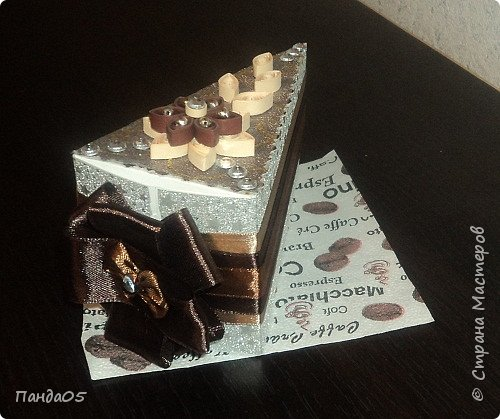 """продолжение шоколадной темы...Почти все заказчики в восторге от моих """"шоколадно сливочных"""" тортов...Делаю вроде одинаковые,но все разные)))) В этот раз девушка заказала в подарок мужу.. фото 3"""