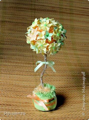 Из бумаги. Торцевание + цветы оригами + бусины. фото 16