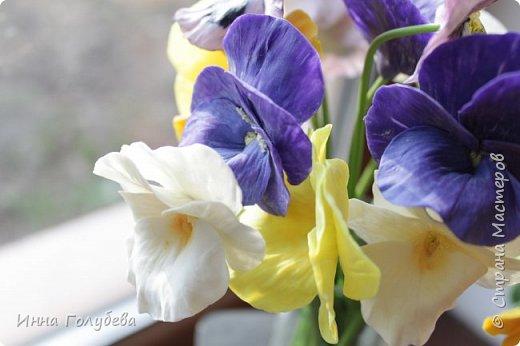 Теплым и солнечным, радостным летом синим и белым, и смешанным цветом, шепчут весёлые, яркие сказки эти цветочки АНЮТИНЫ ГЛАЗКИ.  Бабочек, синих и жёлтых, и белых много на клумбу цветочную село. Сами узнаете их без подсказки это цветочки - АНЮТИНЫ ГЛАЗКИ  О. Огланова Вот такую клумбочку слепила на заказ) фото 13