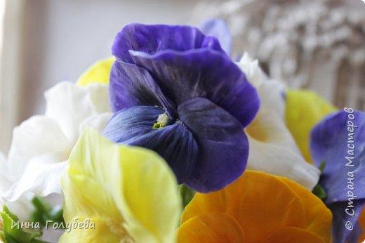 Теплым и солнечным, радостным летом синим и белым, и смешанным цветом, шепчут весёлые, яркие сказки эти цветочки АНЮТИНЫ ГЛАЗКИ.  Бабочек, синих и жёлтых, и белых много на клумбу цветочную село. Сами узнаете их без подсказки это цветочки - АНЮТИНЫ ГЛАЗКИ  О. Огланова Вот такую клумбочку слепила на заказ) фото 15