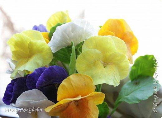 Теплым и солнечным, радостным летом синим и белым, и смешанным цветом, шепчут весёлые, яркие сказки эти цветочки АНЮТИНЫ ГЛАЗКИ.  Бабочек, синих и жёлтых, и белых много на клумбу цветочную село. Сами узнаете их без подсказки это цветочки - АНЮТИНЫ ГЛАЗКИ  О. Огланова Вот такую клумбочку слепила на заказ) фото 16