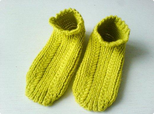 Обычно вяжу носки пятью спицами. В этом году решила попробовать другие способы. Нашла мастер класс, который мне показался понятным и взялась носочки вязать. фото 20