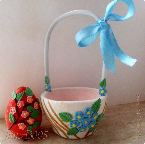 Вот такую корзиночку для пасхального яичка я слепила к празднику. фото 28