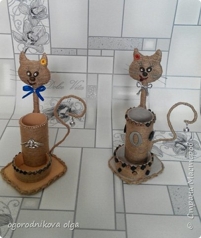 Привет всем вот я со своими котами идею подсмотрела у Лизы К за что ей большое спасибо.... вот ссылка на ее котиков http://stranamasterov.ru/node/999415 Но я переделана на свой лад,