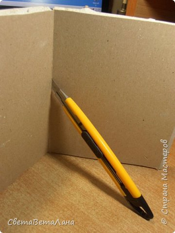 На стройке  от стен и потолка осталась приличнейшая куча гипсокартона....отрезочки короткие и узкие.... на стройке они уже не нужны , а выбрасывать - рука не поднимается......так что , решила их начинать осваивать....... потому сегодня делюсь своими работами и тем, как их делать ( работа с гипсокартоном)......... фото 21