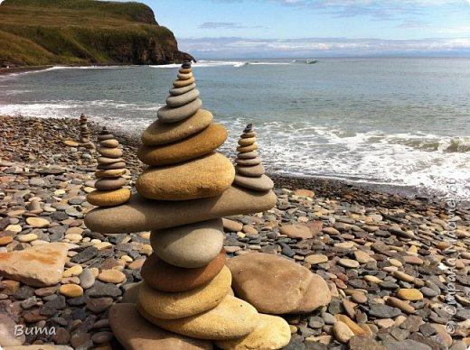 Пирамидка, нужно сбалансировать камни. фото 1