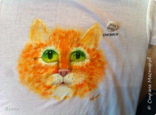 Рисунок на футболке. Подарок подружке на день рождения. Акриловые краски.