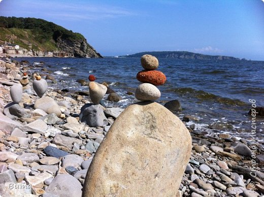 Пирамидка, нужно сбалансировать камни. фото 10