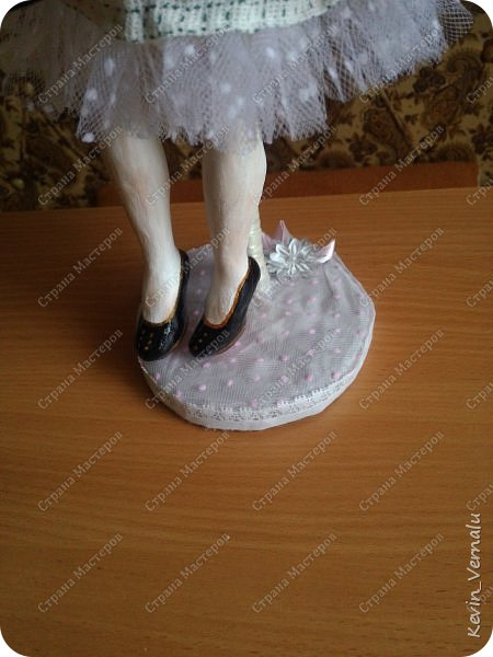 Всем снова привет.Вот и закончила свой необычный заказ....И выкладываю Мини мастер класс по созданию образа портретной куколки. фото 25