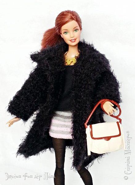 """Нет, не весеннее у нас настроение.)) Зима не отпускает. Глядя на Эмму, Нана тоже выпросила себе зимнюю обновку - """"норковую"""" шубку, о которой всегда мечтала.)))  фото 5"""