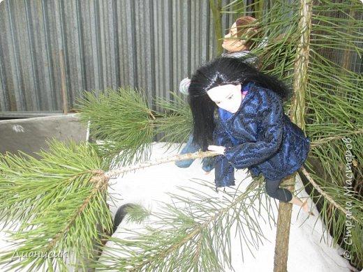 Привет всем! Мы поехали на дачу с ГЛаДОС, Челл, Бертой (собакой Челл), Уитли, GLaDOS, Юми, Юки, Дейзи, Майклом и Челси. ГЛаДОС, Юки, GLaDOS, Майкл и Дейзи моей сестры. Первый, кто найдет на нескольких фото Берту, получит сигну с любой нашей куклой на выбор! GLaDOS: Челл, что с твоей кофтой!? Челл: Я там собаку грею. фото 6