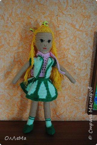 Вязаная куколка, высота 35 сантиметров, вся одежда снимается, волосы можно заплетать. Пряжа для детских вещей, наполнитель - синтепух или синтепон. фото 5