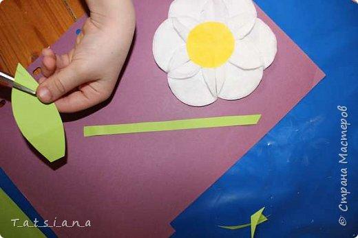 Наши ромашки! Работа девочки 6-ти лет.  Творить так понравилось, что после создания картины, продолжили работу над созданием Мастер-класса к ней.  Подготовка к фото сессии и все этапы процесса проделаны маленькими ручками, впервые. Для доченьки это имеет большое значение, мы очень старались. фото 11