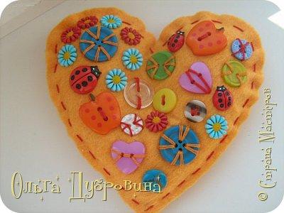 Такие сердца можно делать не только из фетра, но и  из салфеток для хозяйственных нужд.  фото 12