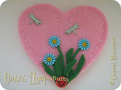 Такие сердца можно делать не только из фетра, но и  из салфеток для хозяйственных нужд.  фото 13