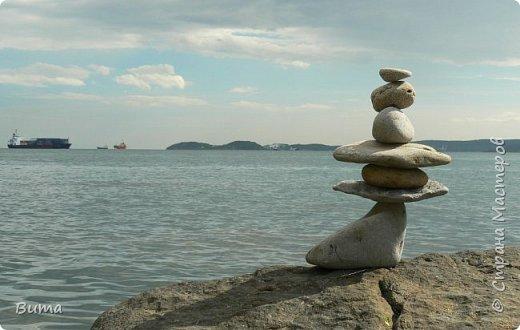 Хорошо летом у моря. Можно строить всякую ерунду из камней. фото 5