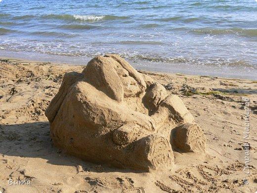 Хорошо летом у моря. Можно строить всякую ерунду из камней. фото 2