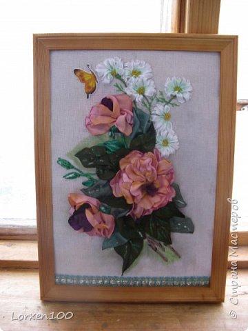 Всем хорошего настроения и доброго здоровья!!Здравствуйте,мои дорогие!!!Захотелось мне цветов,много цветов,разной формы и цвета,вот и вышился такой букетик из веточки розы садовой и ромашек- такое простой летом и недостижимый ранней весной.Но,все в наших силах,дождемся и живых! фото 1