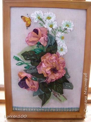 Всем хорошего настроения и доброго здоровья!!Здравствуйте,мои дорогие!!!Захотелось мне цветов,много цветов,разной формы и цвета,вот и вышился такой букетик из веточки розы садовой и ромашек- такое простой летом и недостижимый ранней весной.Но,все в наших силах,дождемся и живых! фото 6