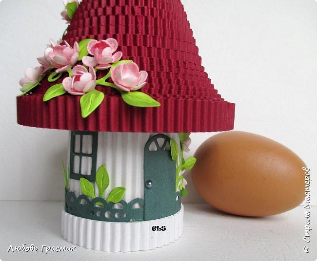 Хотя Мухоморчик (http://stranamasterov.ru/node/1012376)  и назывался домиком для яичка, но это был не совсем домик. Поэтому захотелось сделать и домик фото 7