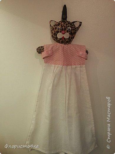 В оригинале, в платье- полотенце, одета куколка. Идея и выкройка взята из интернета.  фото 4