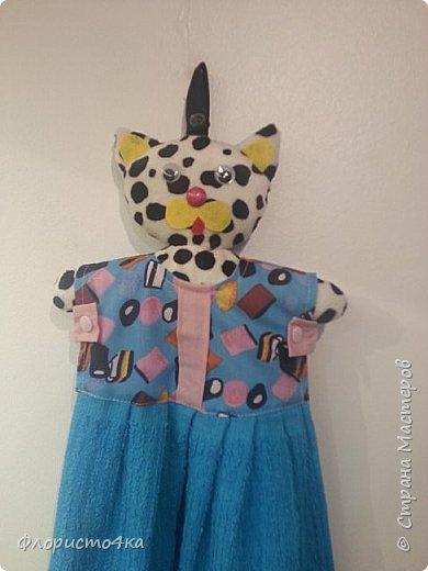 В оригинале, в платье- полотенце, одета куколка. Идея и выкройка взята из интернета.  фото 3