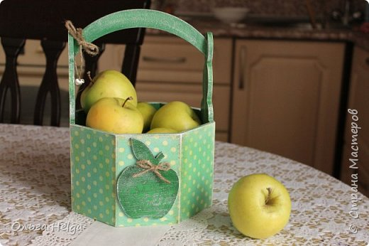Доброго дня всем, дорогие мастера! Делала я лукошко пасхальное, а получилось яблочное, вот ведь как бывает. фото 1