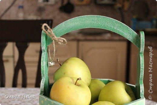 Доброго дня всем, дорогие мастера! Делала я лукошко пасхальное, а получилось яблочное, вот ведь как бывает. фото 4