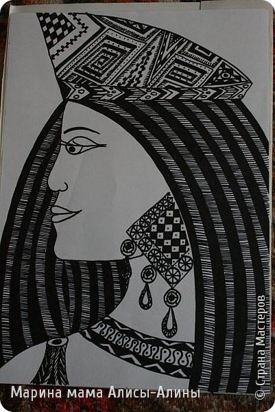 Здравствуйте! Первой работой я показываю графику по МК Елены Пантелеевой http://stranamasterov.ru/node/1006069 Очень мне понравилось рисовать такие графичные рисунки! фото 1
