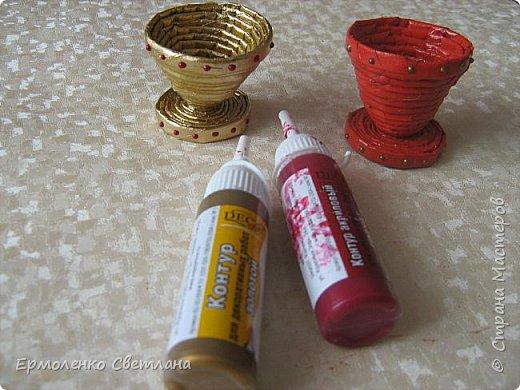 """Доброго времени суток уважаемые жители """"Страны Мастеров"""". Предлагаю вам приготовить к Пасхе с детьми небольшие сувениры. Подставочки для пасхальных яиц из газетных трубочек. фото 5"""