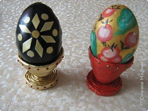 """Доброго времени суток уважаемые жители """"Страны Мастеров"""". Предлагаю вам приготовить к Пасхе с детьми небольшие сувениры. Подставочки для пасхальных яиц из газетных трубочек. фото 1"""