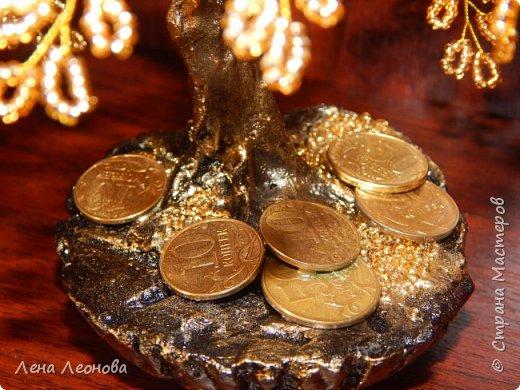 Здраствуйте мастера и мастерицы. Снова у меня денежные деревья. В этот раз сделала в золотом цвете. Бисер чешский. Делались на одном дыхании. фото 17