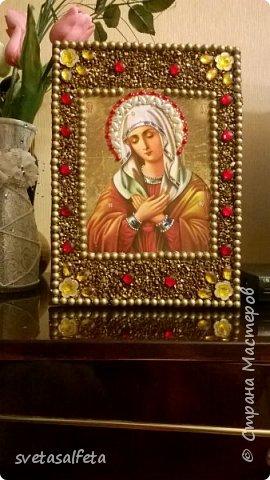 декупаж и декор божественных ликов на стеклянных тарелках и деревянных панно фото 1