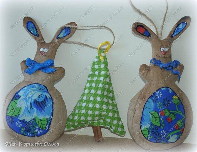 Здравствуйте, дорогие гости моей странички! Предлагаю снова к Пасхе сшить забавных кроликов. Как-то я уже шила к этому празднику кролей. Мастер-класс и зверюшек можно посмотреть тут http://stranamasterov.ru/node/747415?t=451.  В этот раз кролики-зайчики круглые как матрешки, кофейные, яркие. фото 3