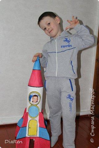 Вот такую ракету, мы сделали в детский сад))) фото 2