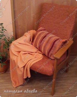 Кресла с новой обивкой сделали комнату уютной. фото 4