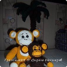 На Новый год были связаны такие вот обезьянки))  фото 1