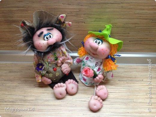 """Привет всем жителям Страны Мастеров! Сшила """"верёвочных""""  домовых))) Я их так называю потому,что ручки-ножки сделаны из верёвочек-шнурков. Мужичок держит в руках мешочек с добром., а девица ,как положено, цветок. фото 8"""