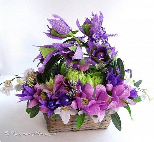 """Конкурс был объявлен здесь http://stranamasterov.ru/node/1011037  Работа №1 """"Подари мне орхидеи""""  Подари мне букет орхидей, Я пойму тайну скрытых признаний, Стану ласковей, проще, нежней, Не сокрою я смелых желаний…   Нежный трепет волшебных цветов Несказанного очарованья Озаряет собою свиданье Без излишних смутившихся слов.   Я раскроюсь, как эти цветы, Красотой небывалой, нежданной, Что сбываются в жизни мечты, Я поверю, как в мир первозданный.  Автор: Рената Юрьева Композиция на вазе. Состав: Конфеты - """"Фундук в шоколаде"""" - 17 шт., """"Арфа"""" - 11 шт., карамель BS Fruit - 5 шт. Флористическая гофра, пеноплекс, проволока, картон, тейп-лента, тычинки искусственные для цветов, ваза. фото 79"""