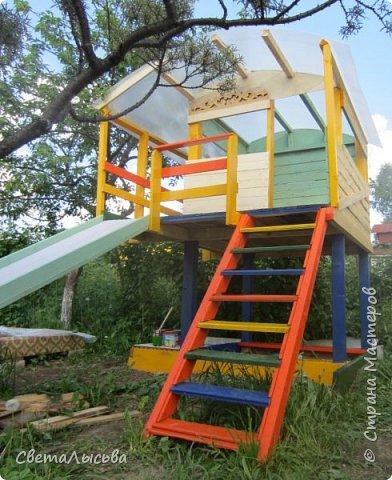 Чтобы занять детей летом, соорудили им такой домишко! фото 2