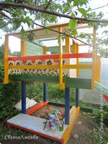 Чтобы занять детей летом, соорудили им такой домишко! фото 3